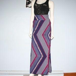 Hot Kiss Maxi Skirt L Chevron
